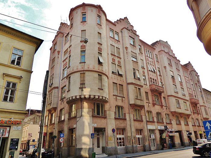 VII.kerület, Vigalmi Negyed, Wesselényi U.50m2,Utcai,Kirakatos Üzlet Kiadó