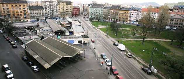 VIII.ker. Teleki tér, 90m2,Utcai, Kirakatos Üzlet Kiadó