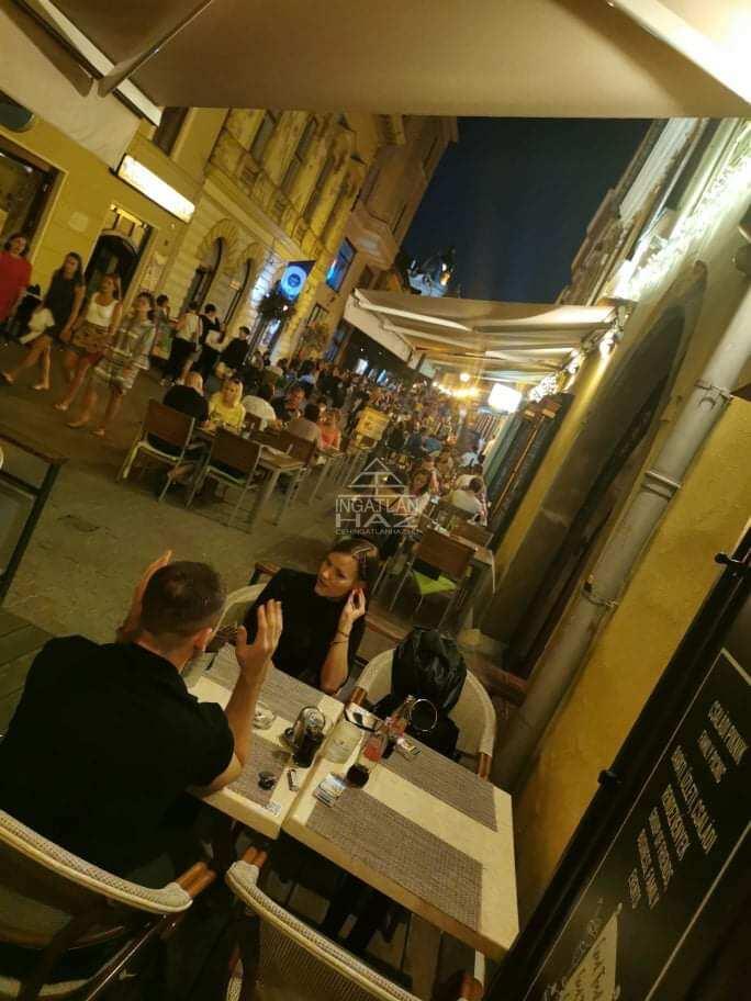 Pécs, belváros szívében, Széchenyi térnél, Király Utca 60m2,Utcai, Kirakatos,Melegkonyhás , Üzlethelyiség Kiadò