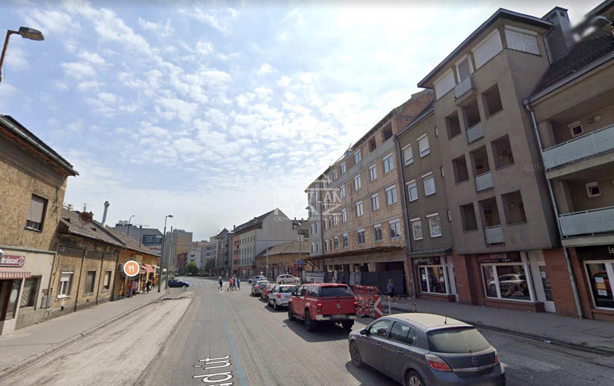IV.kerület,Erzsébet u. Újpest központhoz közel, Árpád útnál, 600m2,Utcai , Kirakatos,önálló épület, Kiadò
