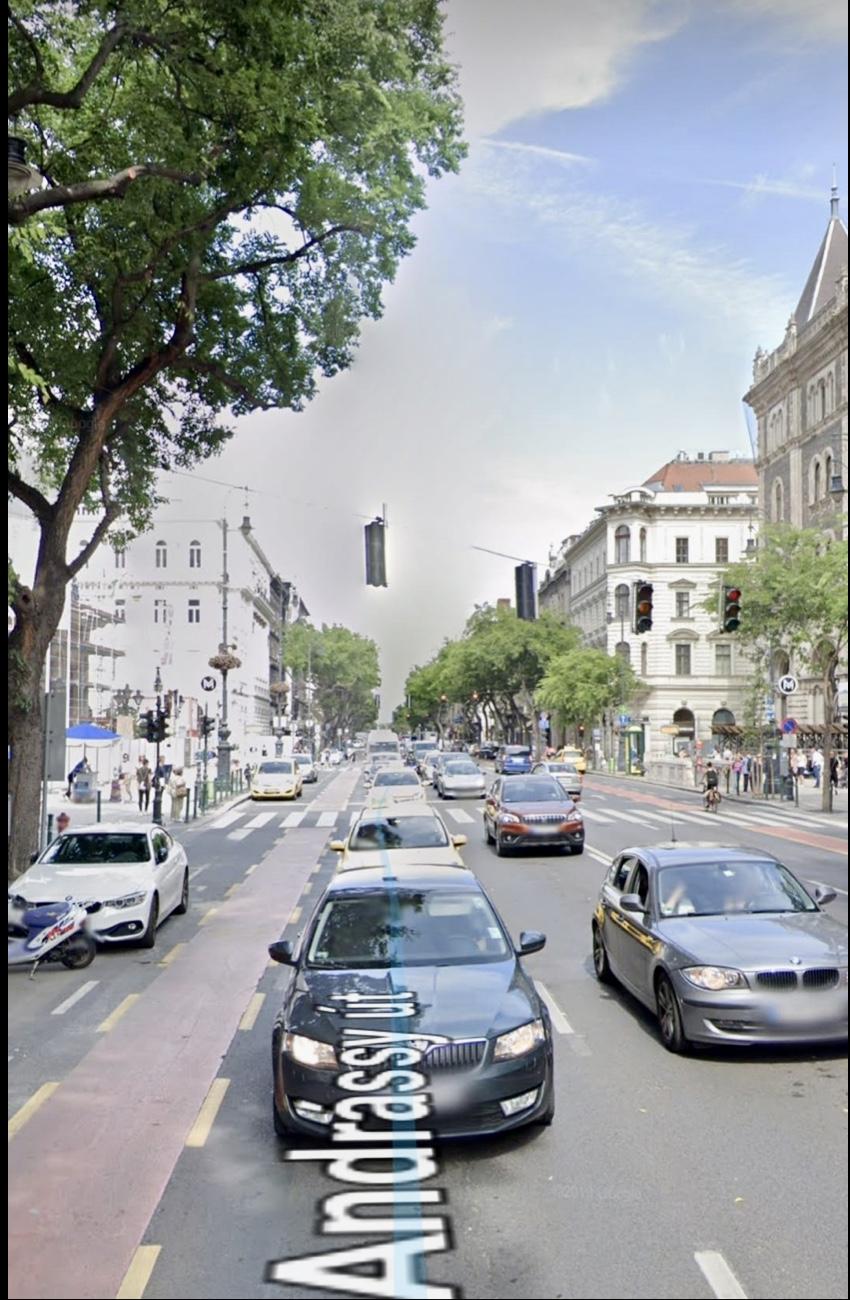 VI.ker. belváros szívében, Deák tér, és Oktogon között, Andrássy út. 60m2 m2,, utcai,, felújított, üzlet kiadò