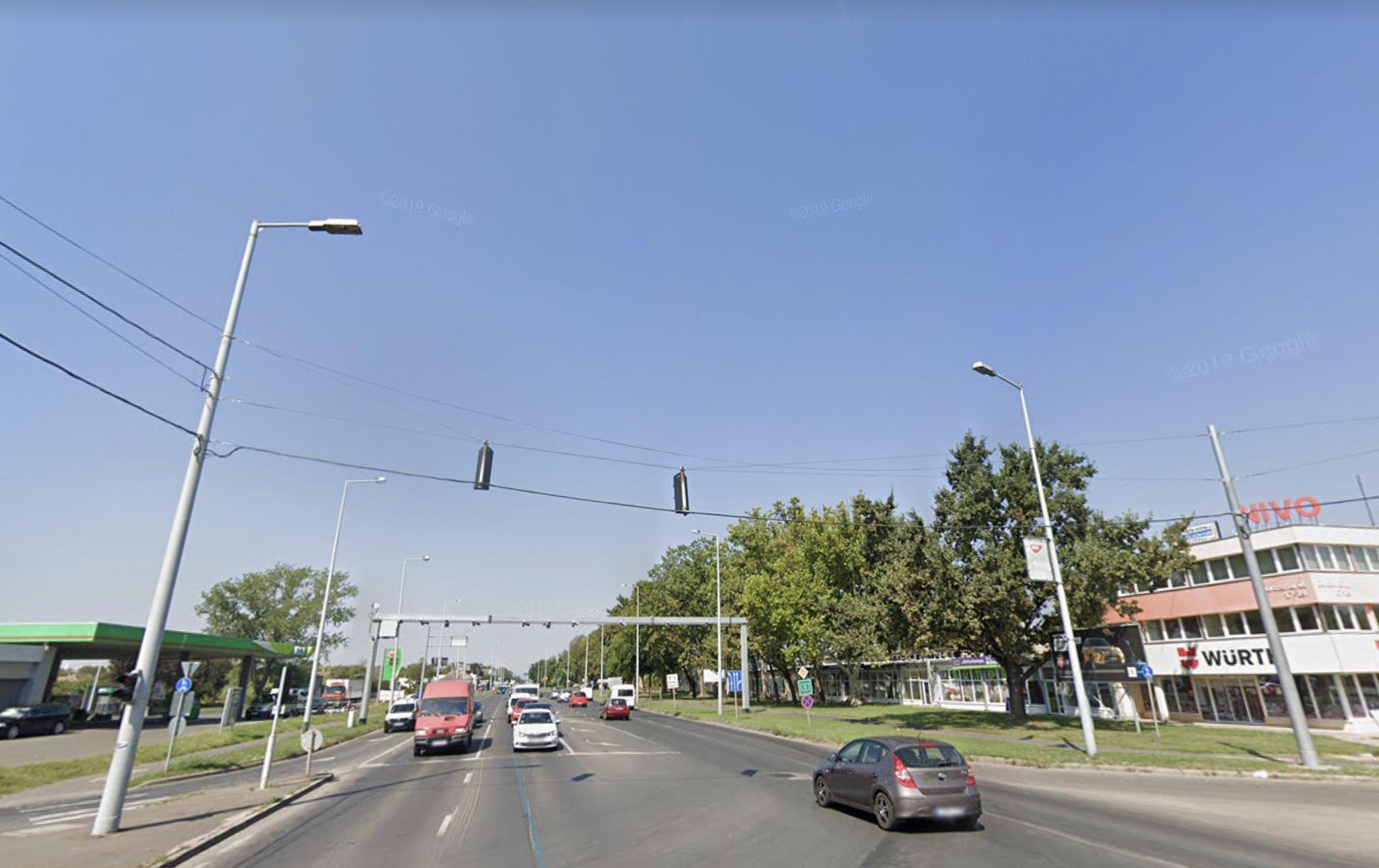 Szeged, M5 autópályánál, 40 szobás ,önállò épület,80 Fős Szálló ,2- 4 Fős Szobákkal Kiadó . Saját Parkolòval, 80fős , Hostel,Kollégium, Apartman, Munkásszállò