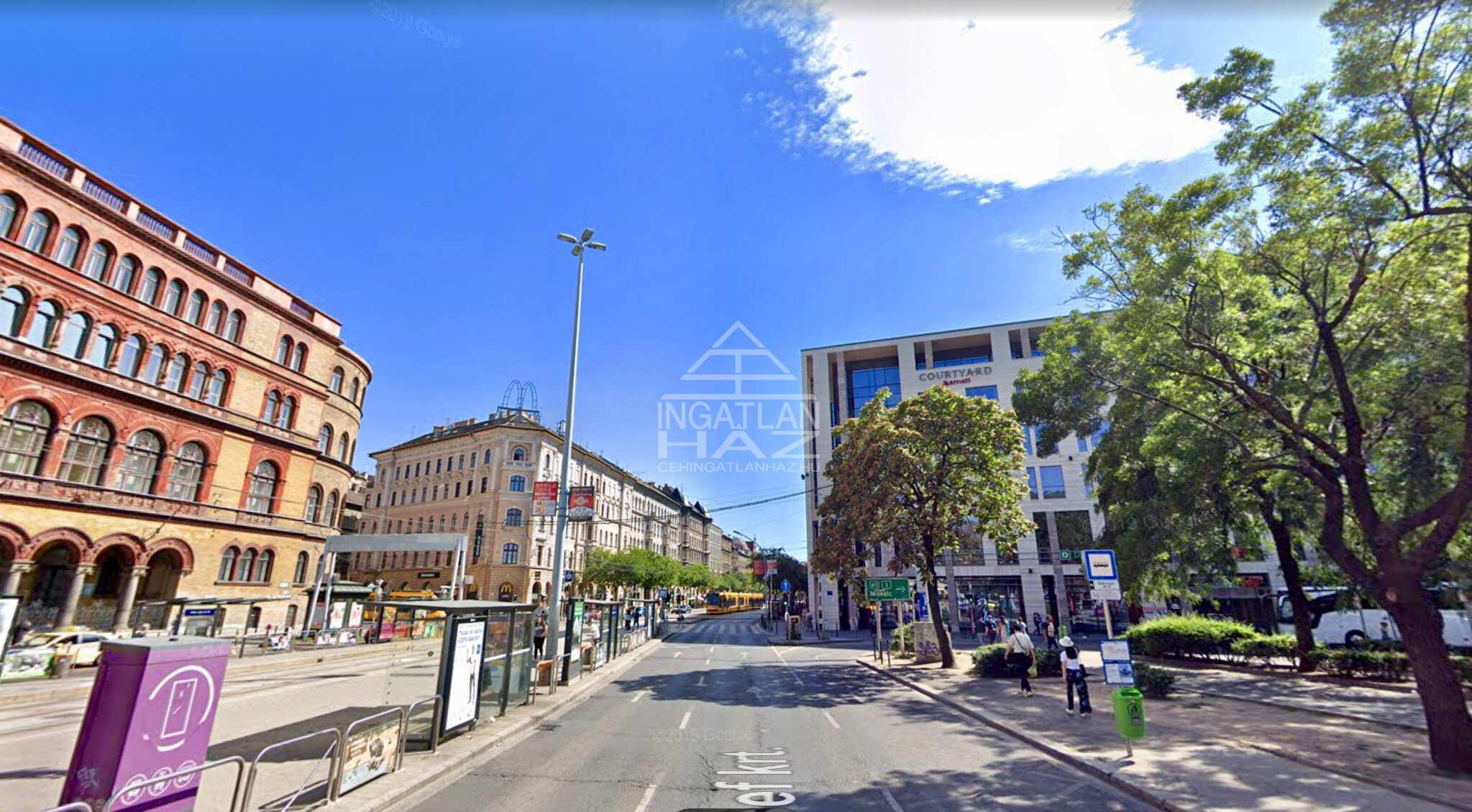 VIII.ker. Jözsef krt Blahához közel,360m,2 utcai, nagy kirakatos, felújított üzlethelyiség eladó