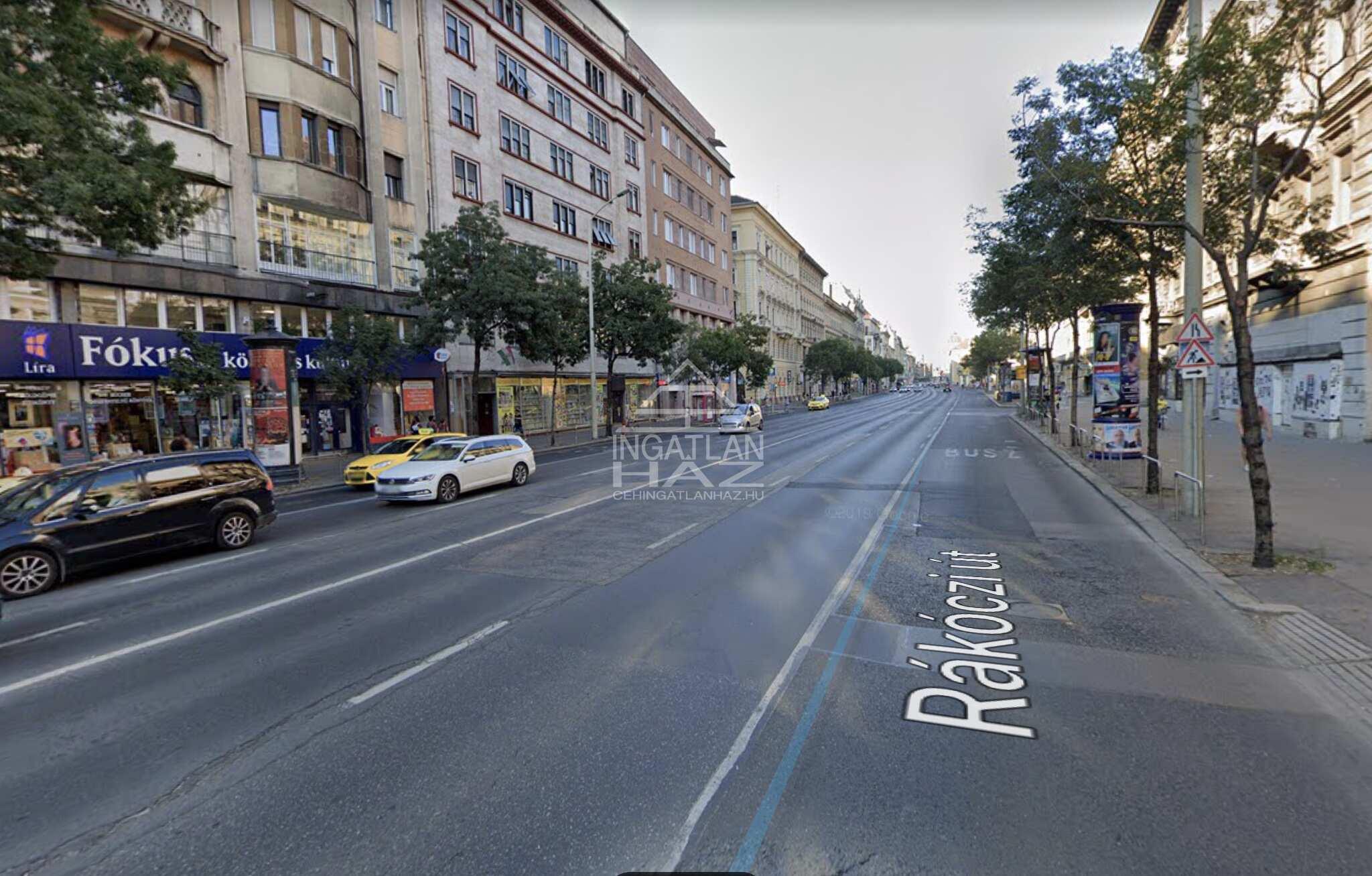 VII.kerület, vigalminegyed, Rákóczi út .Astoriához közel, , 80 m2 , utcai, kirakatos, galériás üzlethelyiség kiadò