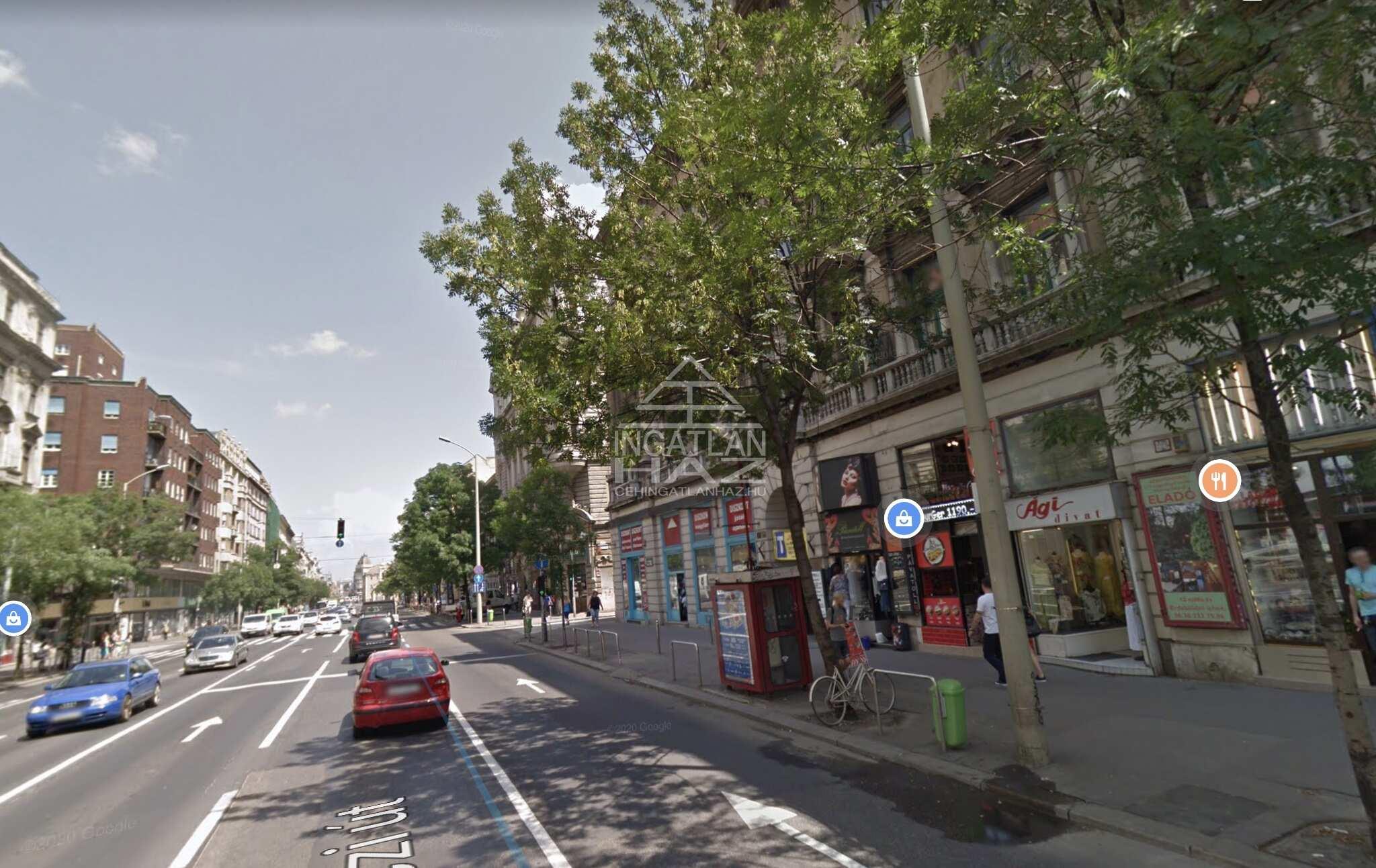 VIII.kerület, Palota negyed, Astoriához közel, Rákóczi út, 450m2,utcai, kirakatos üzlethelyiség kiadò