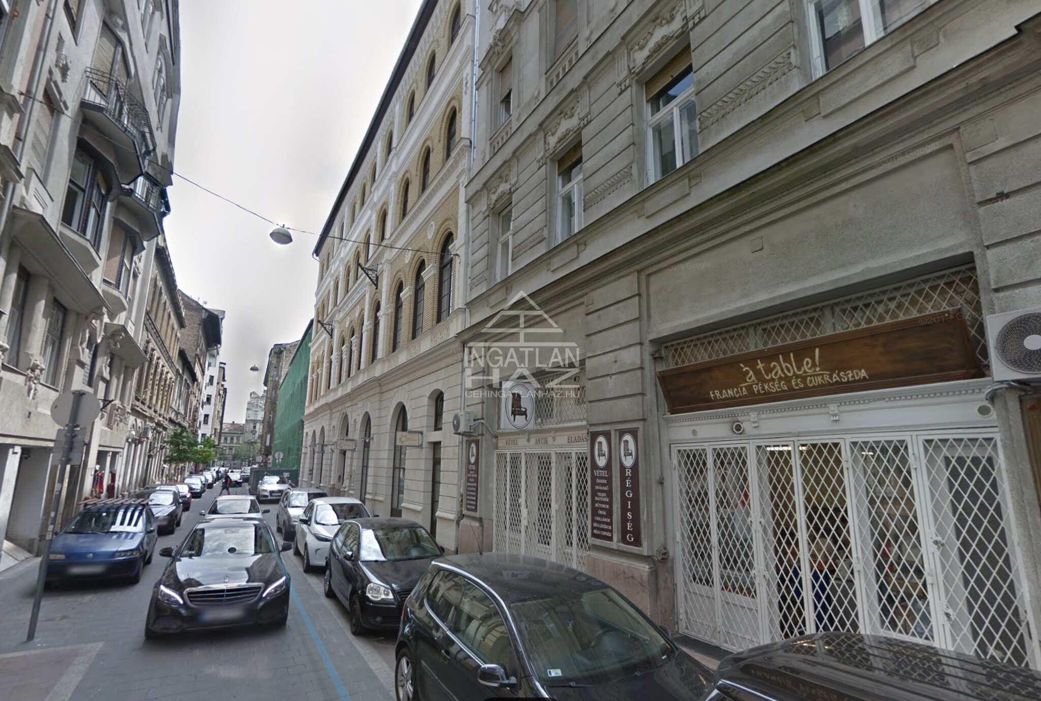 VII.kerület, vigalminegyed, Dohány u.-nál, Síp u. 90m2, melegkonyhás,teljesen berendezett, felújított, utcai, kirakatos, üzlethelyiség eladò