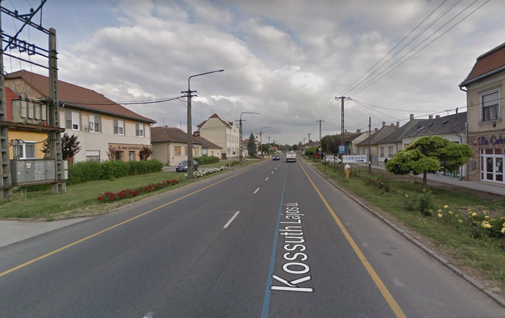 Enying, Kossuth L, utca 200m2, Önálló Új Épület Eladó