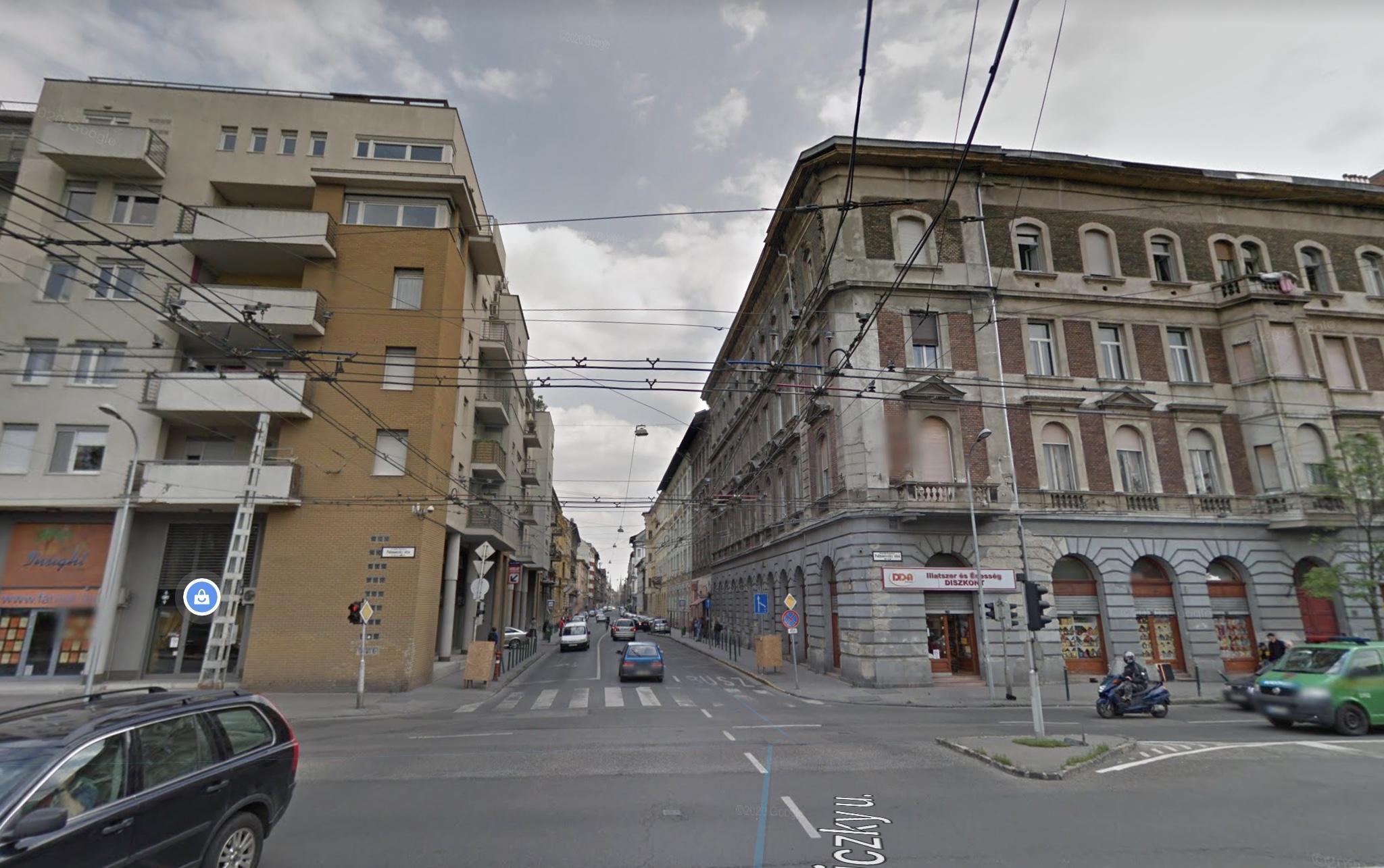 VI.ker. Belváros, Izabella utcánál, 1.500m2, Önállò Épûlet , 700m2, telken Eladò