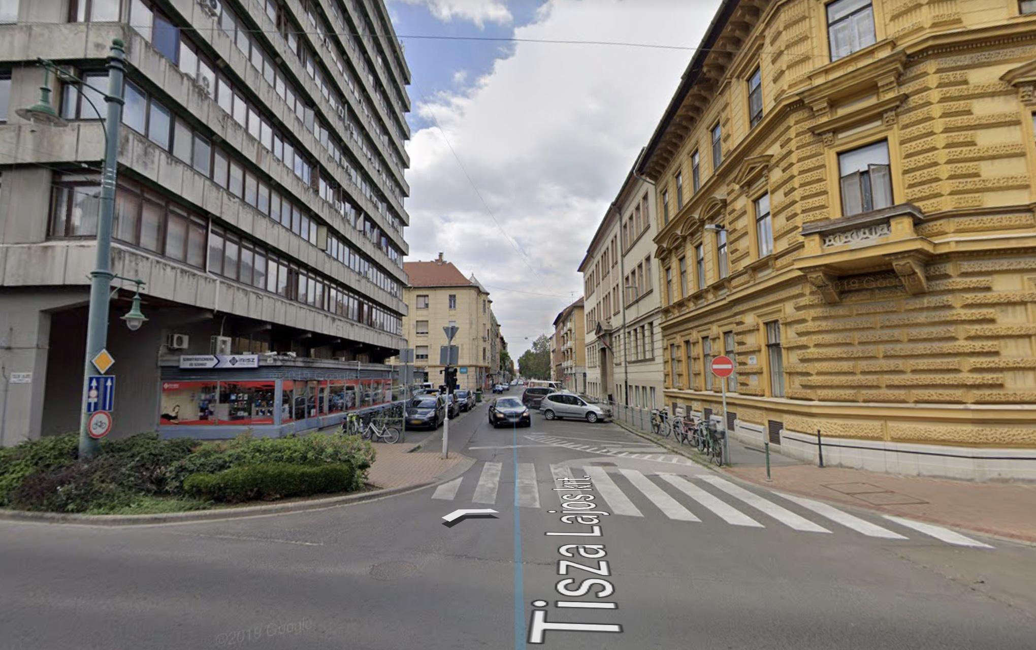 Szeged, belváros szívében, Tisza L. Krt-nál,Mérey u. 70m2, felújított, klímás Iroda  Kiadò
